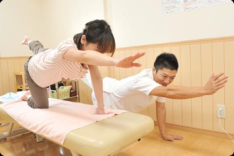 体幹トレーニングで無理なく矯正