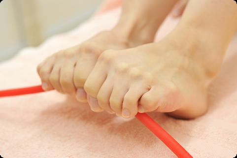 矯正+足のトレーニングを合わせたプログラム